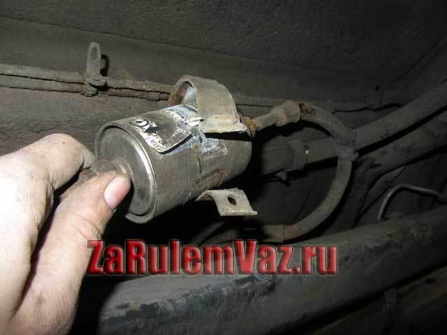 Замена топливного фильтра на ВАЗ 2113, ВАЗ 2114, ВАЗ 2115