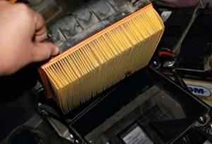 Замена воздушного фильтра на приоре