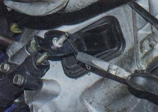 Замена рабочего цилиндра сцепления на ВАЗ 2101-ВАЗ 2107