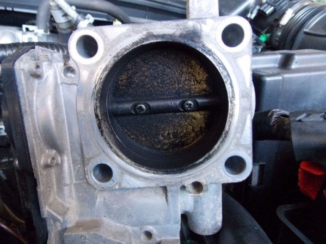 Для чего нужна очистка вентиляции картера на классических двигателях?