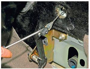 Замена и регулировка троса дроссельной заслонки на калине
