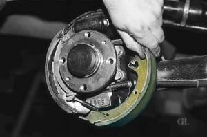 Замена задних тормозных колодок на ВАЗ 2110, ВАЗ 2111, ВАЗ 2112