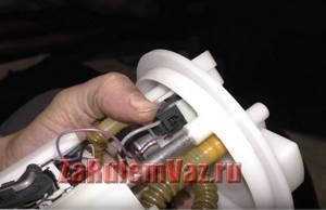 Замена датчика уровня топлива на приоре