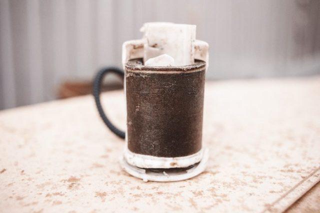 Для чего нужен топливный фильтр? Как его заменить? И что это такое?