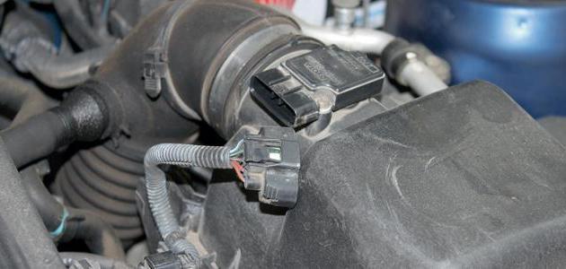 Чистка датчика массового расхода воздуха (ДМРВ) на ВАЗ 2110, ВАЗ 2111, ВАЗ 2112