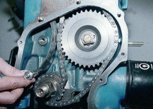 Для чего нужен успокоитель цепи и как его заменить на ВАЗ?