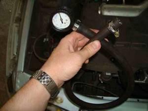 Проверка давления в топливной рампе на всех автомобилях ВАЗ