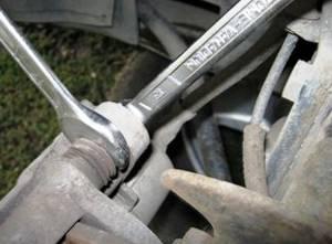 Замена передних тормозных колодок на приоре
