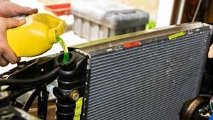 Как и чем промыть систему охлаждения двигателя?