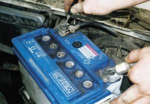 Правильное обслуживание аккумулятора на всех автомобилях ВАЗ