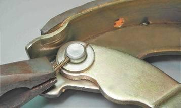 Замена заднего тормозного барабана на ВАЗ 2113, ВАЗ 2114, ВАЗ 2115