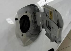 Всё про бензобак у Лада Х Рей. Вместимость и защита. Как снять?